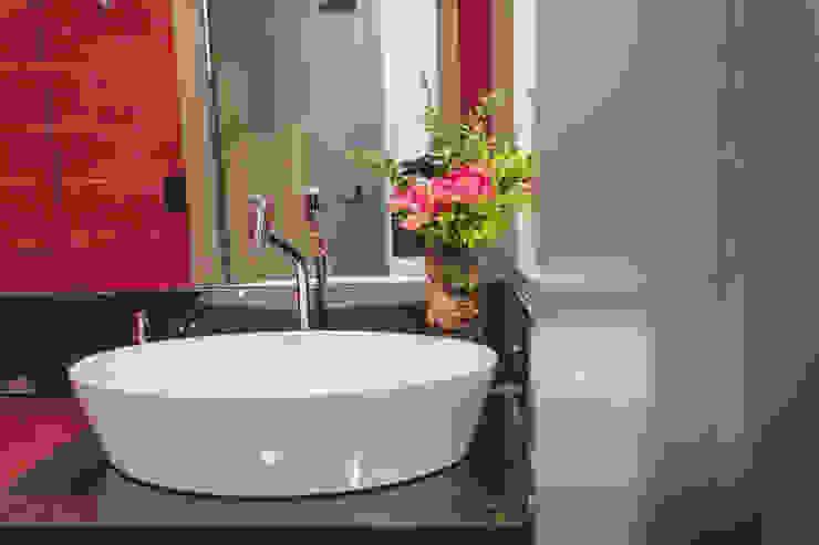 Lavabo Banheiros modernos por Vanessa Mondin _Arquitetura e Interiores Moderno