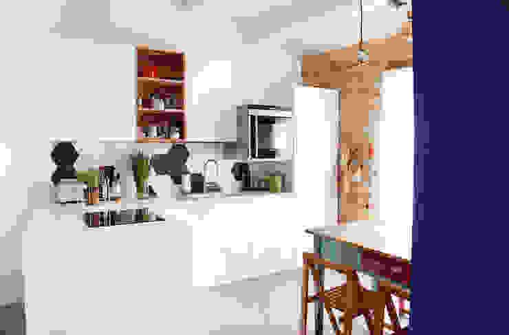 Nhà bếp phong cách Địa Trung Hải bởi Ossigeno Architettura Địa Trung Hải