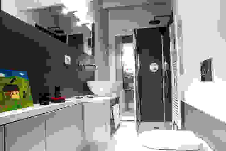 지중해스타일 욕실 by Ossigeno Architettura 지중해