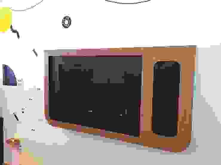 Mueble tv xbox Espacios comerciales de estilo minimalista de AMÉTRICO ESTUDIO Minimalista