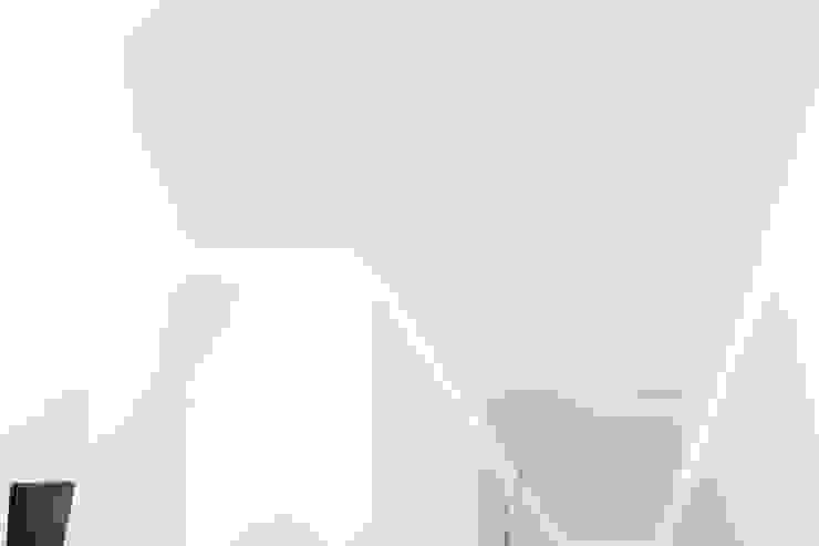 by Ossigeno Architettura Сучасний