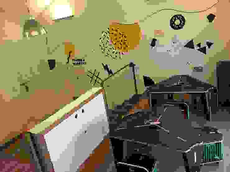 Vista general mesas de dibujo y paredes sketch Espacios comerciales de estilo minimalista de AMÉTRICO ESTUDIO Minimalista