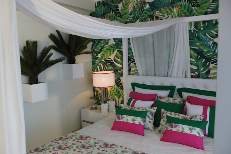 Tropical style bedroom by Andreia Louraço - Designer de Interiores (Contacto: atelier.andreialouraco@gmail.com) Tropical Textile Amber/Gold