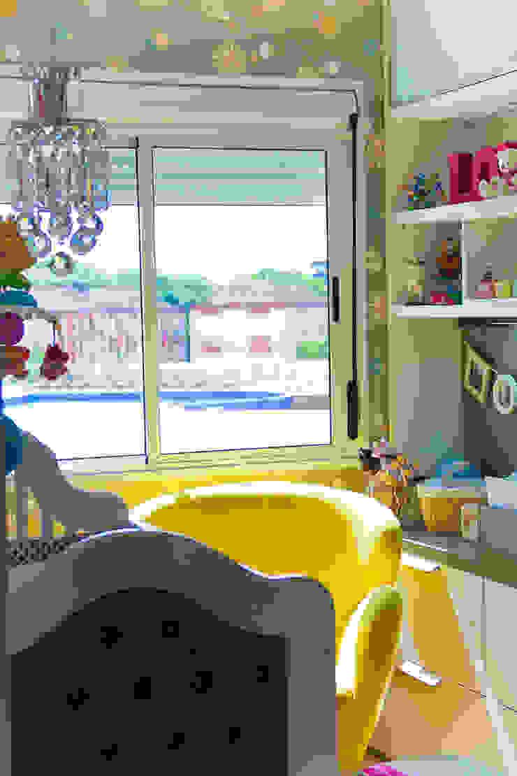 Quarto Bebê Quarto infantil moderno por Vanessa Mondin _Arquitetura e Interiores Moderno