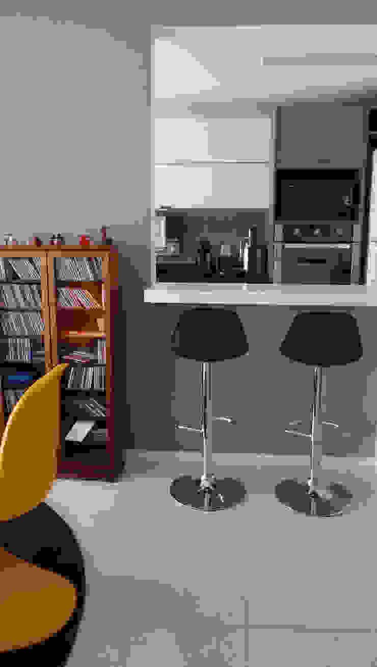 Nhà bếp phong cách hiện đại bởi PdP Arquitetura Hiện đại