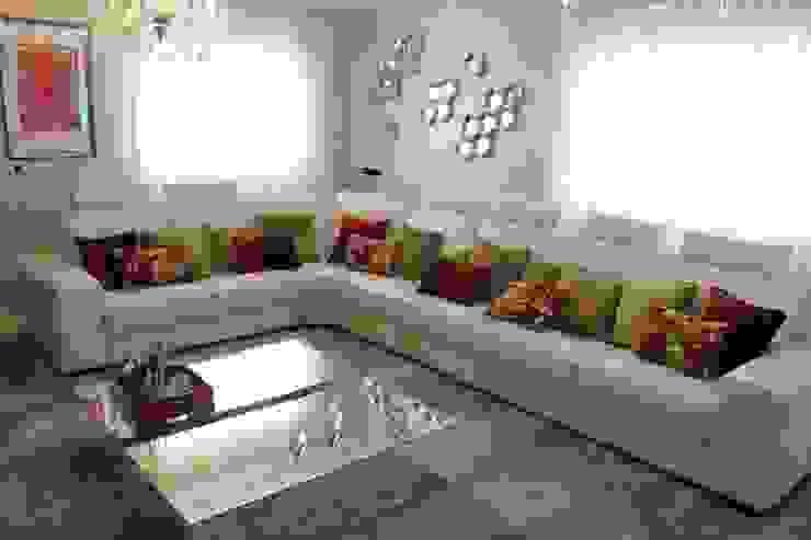 ทันสมัย  โดย Andreia Louraço - Designer de Interiores (Contacto: atelier.andreialouraco@gmail.com), โมเดิร์น หนัง Grey