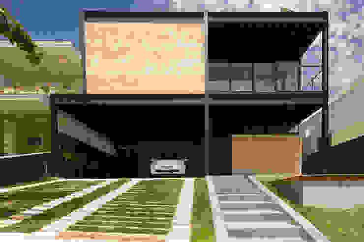 Casa_63 Casas industriais por Sonne Müller Arquitetos Industrial
