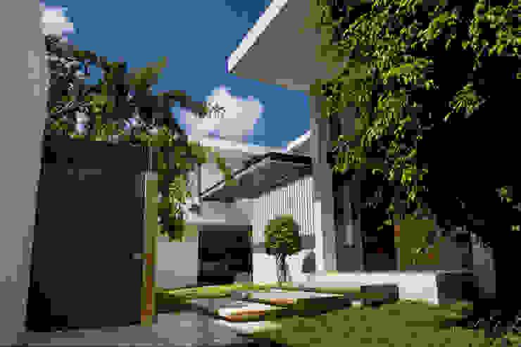 Rumah pasif oleh AIDA TRACONIS ARQUITECTOS EN MERIDA YUCATAN MEXICO, Modern