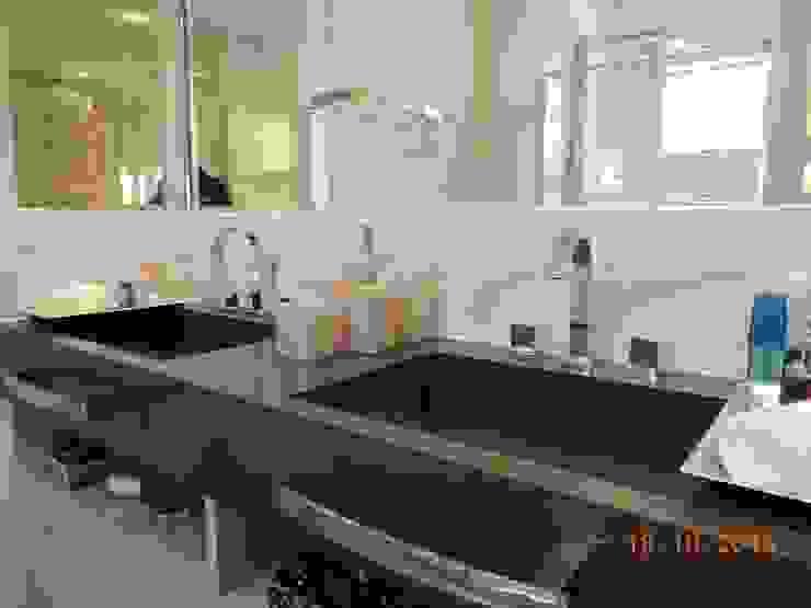 Suíte Casal Banheiros modernos por Melanie Kiss Design de interiores Moderno Quartzo