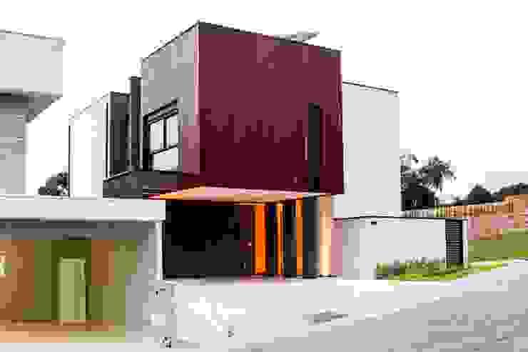 Projekty,  Domy zaprojektowane przez cunha² arquitetura, Minimalistyczny Drewno O efekcie drewna