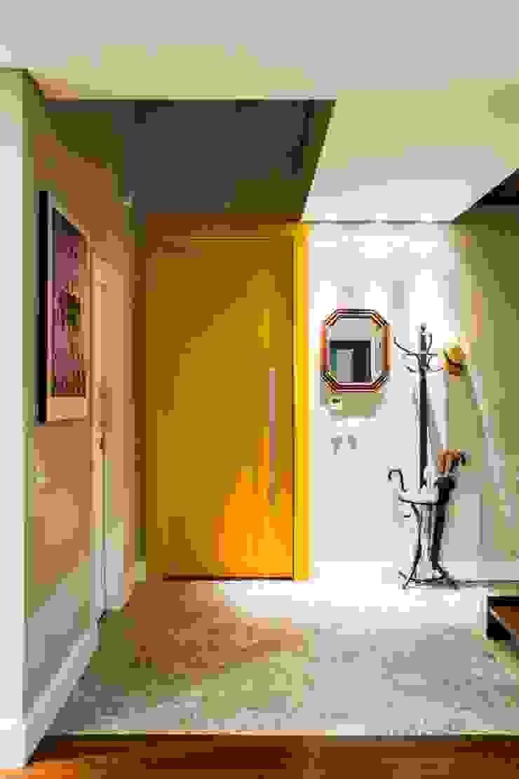 Arquitetura Sustentável cunha² arquitetura Corredores, halls e escadas minimalistas