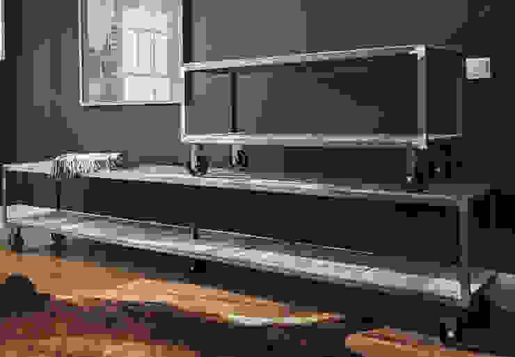 Mesa/librería industrial Atelier de Desseins EstudioArmarios y estanterías Madera