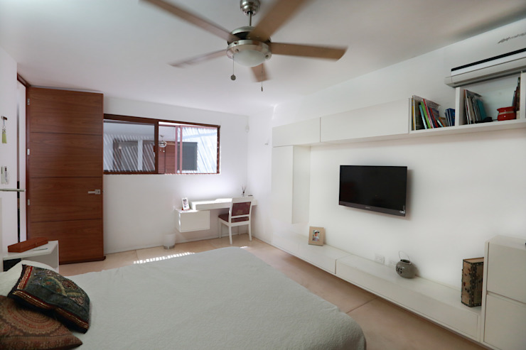 Tropical style bedroom by FGO Arquitectura Tropical Wood Wood effect