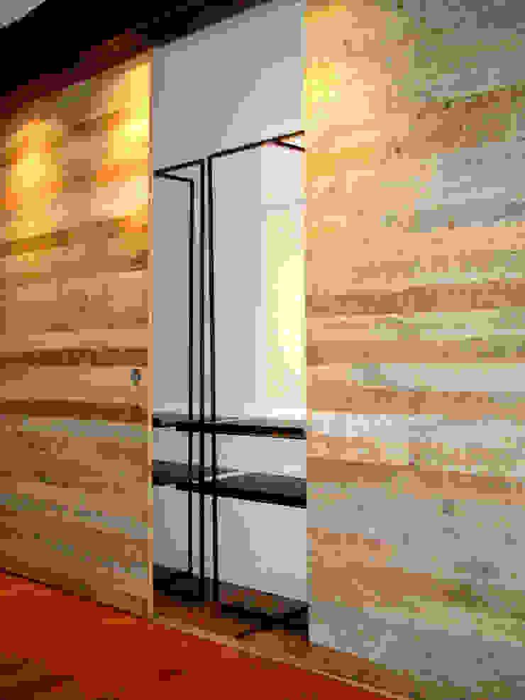 Armario recoupage Atelier de Desseins DormitoriosArmarios y cómodas Madera