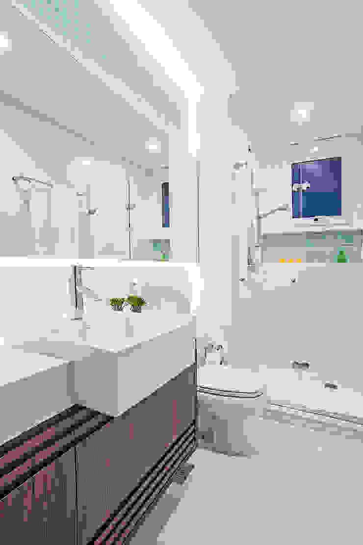 Banheiro da Menina Banheiros modernos por Adriane Perotoni Arquitetura.Interiores Moderno