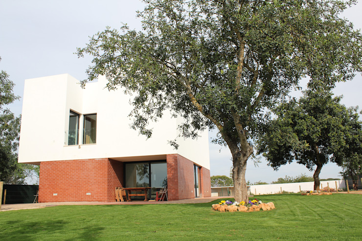 Moradia Almancil. Algarve. Portugal Casas minimalistas por bkx arquitectos Minimalista