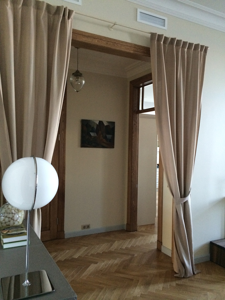 квартира для бабушки и дедушки Гостиные в эклектичном стиле от Circus28_interior Эклектичный