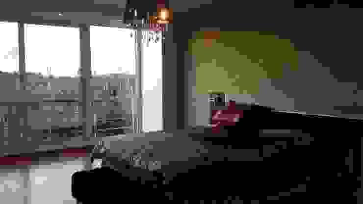 Modern style bedroom by Arquitectos Building M&CC - (Marcelo Rueda, Claudio Castiglia y Claudia Rueda) Modern