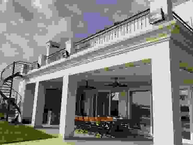 Casa en Los Alisos – Nordelta Casas clásicas de Arquitectos Building M&CC - (Marcelo Rueda, Claudio Castiglia y Claudia Rueda) Clásico