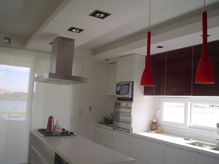 Klassieke keukens van Arquitectos Building M&CC - (Marcelo Rueda, Claudio Castiglia y Claudia Rueda) Klassiek