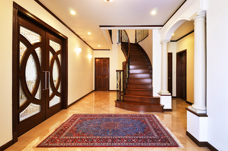 施工事例5 モダンスタイルの 玄関&廊下&階段 の ㈱K2一級建築士事務所 モダン