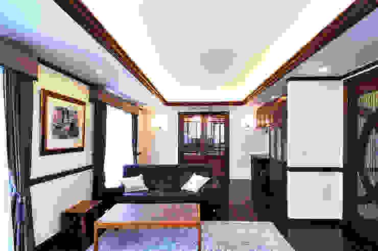 施工事例5 モダンデザインの リビング の ㈱K2一級建築士事務所 モダン