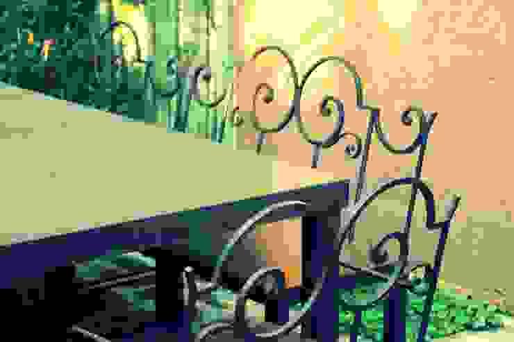 Muebles de hierro Balcones y terrazas modernos: Ideas, imágenes y decoración de Tienda de Hierros Moderno