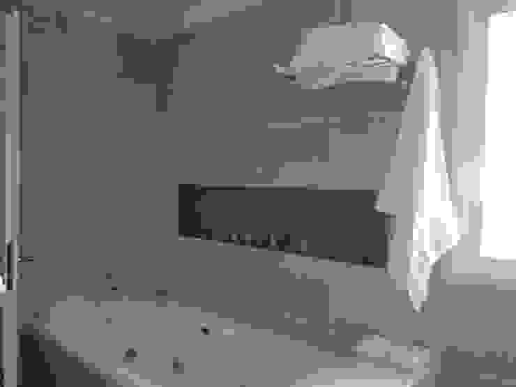 Klassieke badkamers van Arquitectos Building M&CC - (Marcelo Rueda, Claudio Castiglia y Claudia Rueda) Klassiek