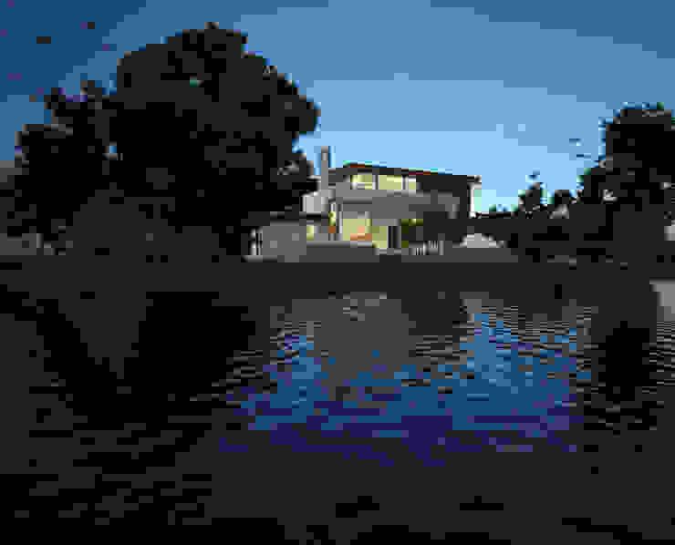 Fachada Exterior - Vista sobre el lago Casas modernas de Gliptica Design Moderno Madera Acabado en madera