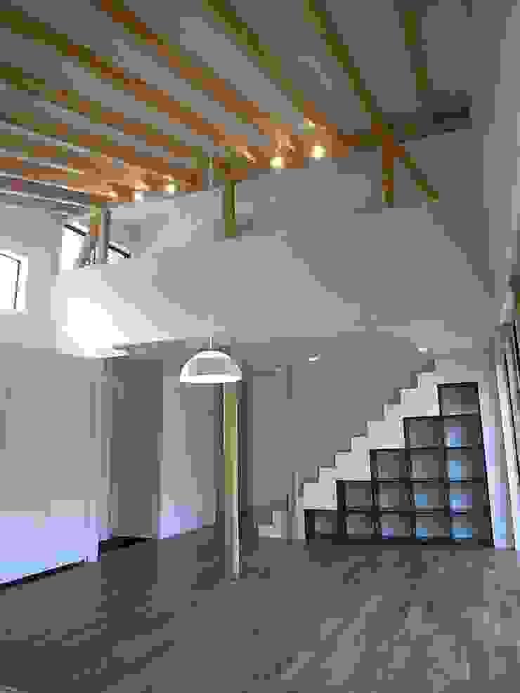 リビング・ダイニング オリジナルデザインの リビング の Unico design一級建築士事務所 オリジナル