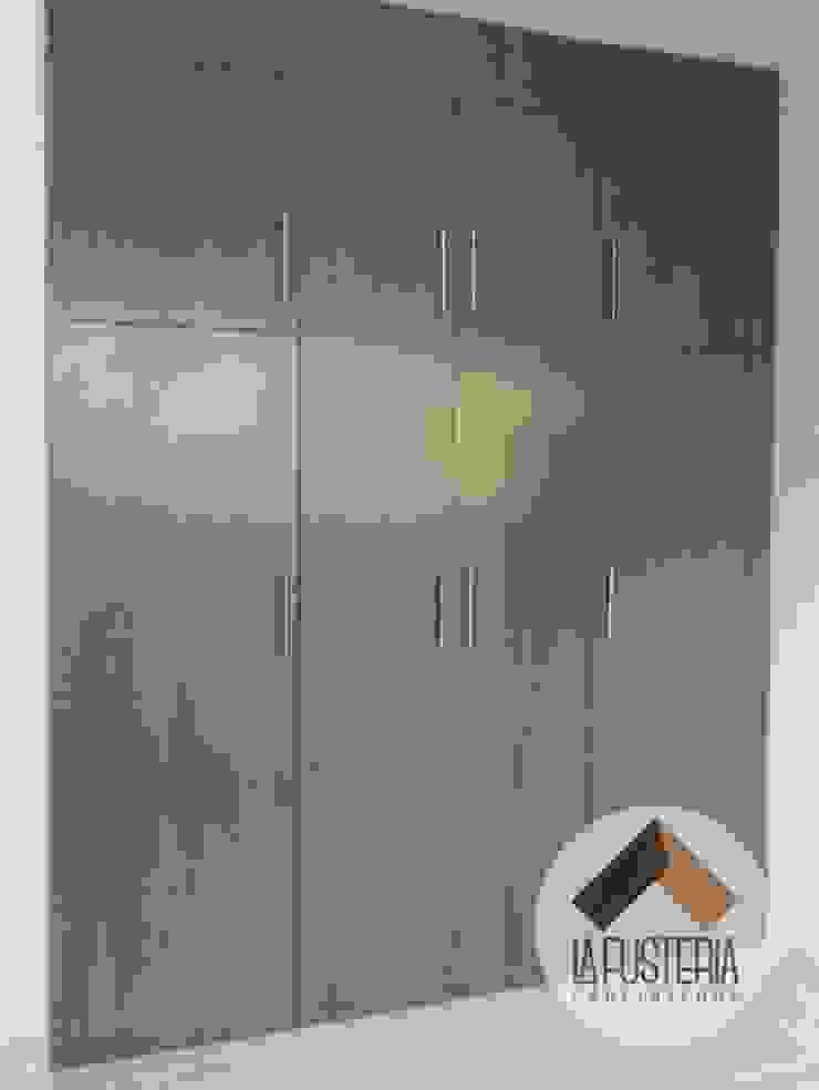 modern  by La Fustería - Carpinteros, Modern Wood Wood effect