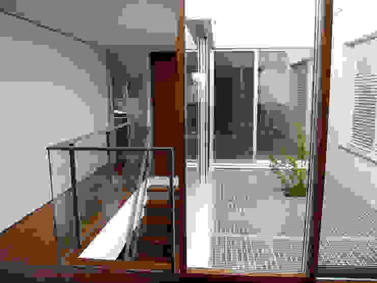 hiện đại  theo       古津真一 翔設計工房一級建築士事務所, Hiện đại Gỗ Wood effect