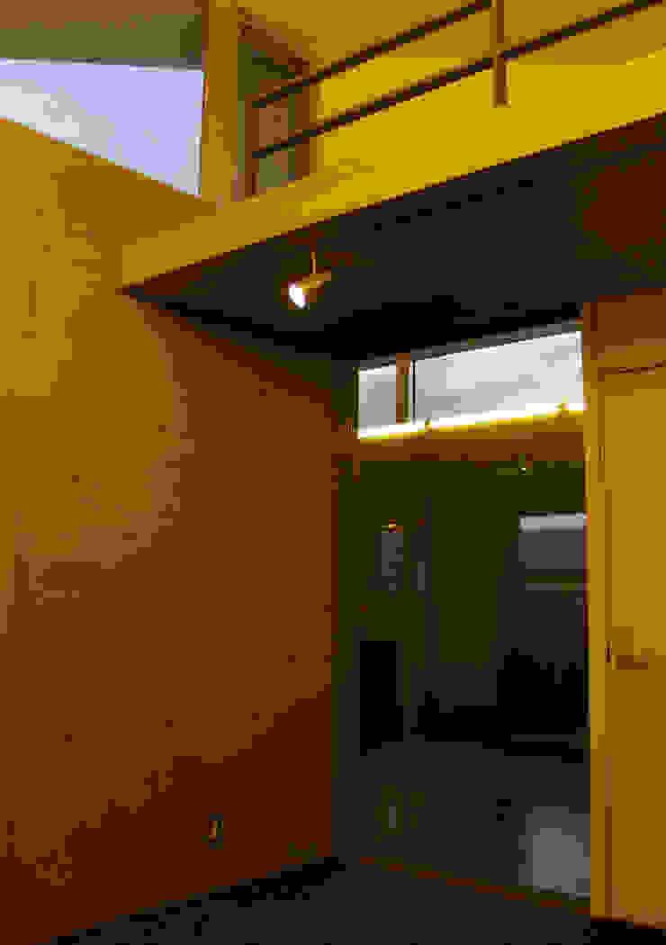2Fピアノ室 :       古津真一 翔設計工房一級建築士事務所が手掛けた現代のです。,モダン ガラス