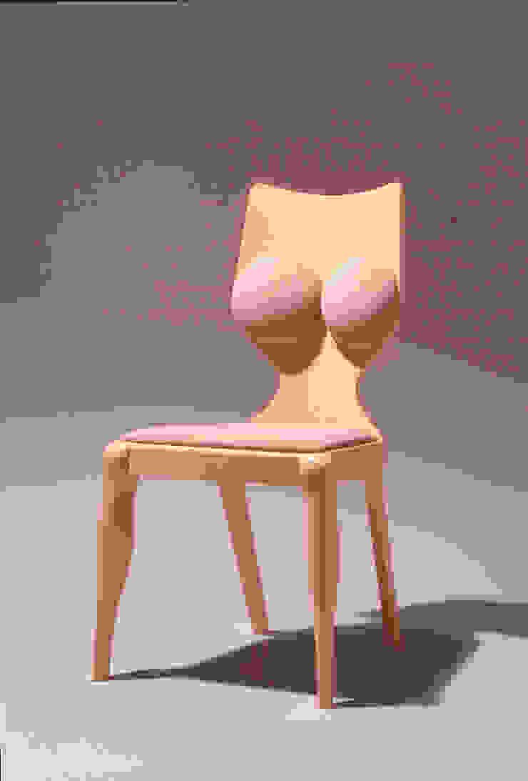 Aodai chair: Guen BERTHEAU-SUZUKI  Co.,Ltd.が手掛けた現代のです。,モダン
