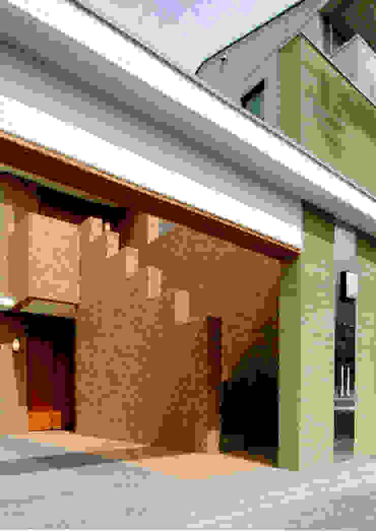 エントランス1 モダンスタイルの 玄関&廊下&階段 の 株式会社 岡﨑建築設計室 モダン