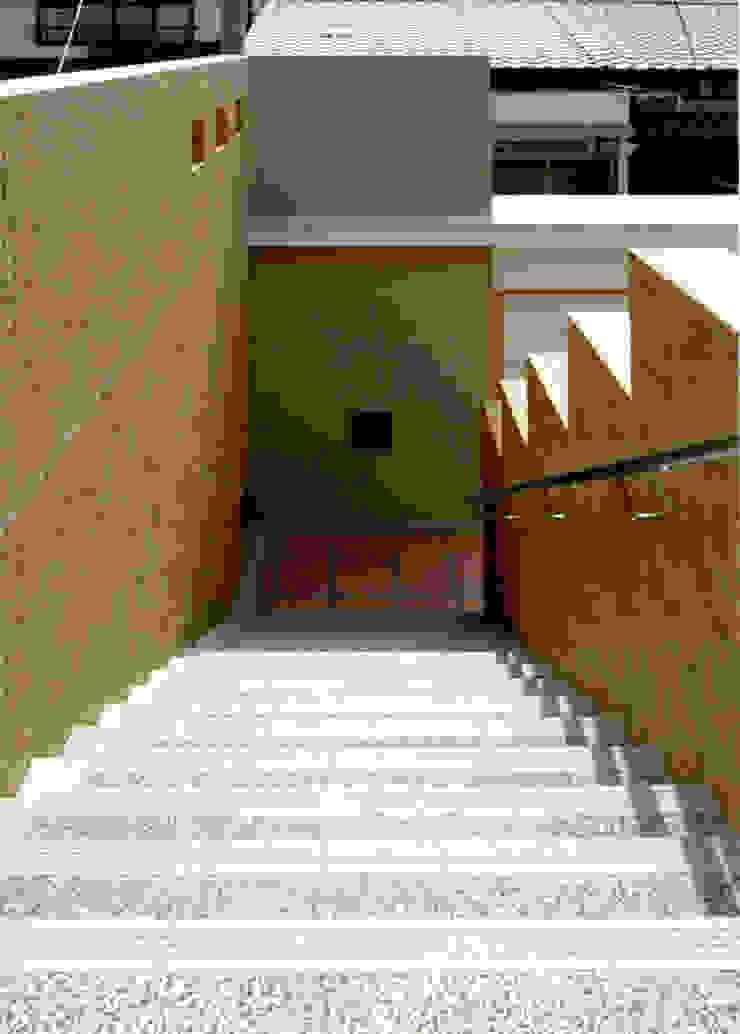 階段2 モダンスタイルの 玄関&廊下&階段 の 株式会社 岡﨑建築設計室 モダン