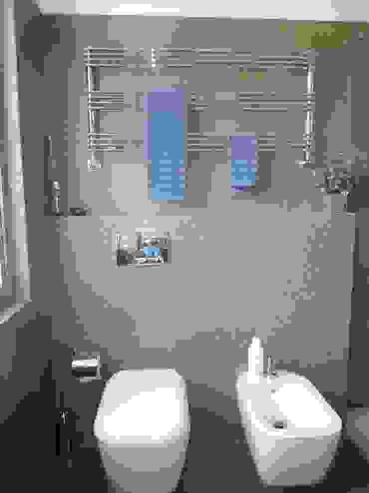 Progetto Gaby Ehringshausen 現代浴室設計點子、靈感&圖片