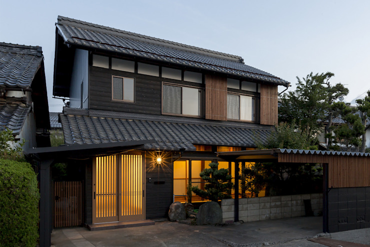 Houses by 株式会社 鳴尾工務店, Asian