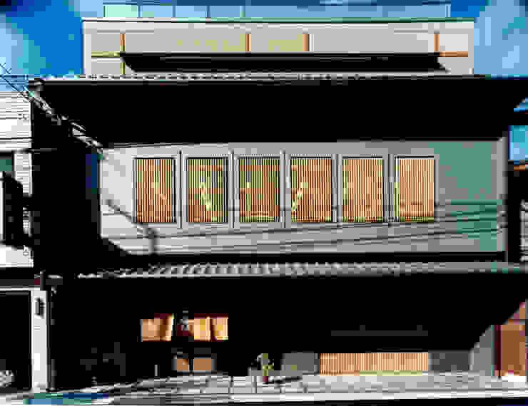 店舗棟外観1 日本家屋・アジアの家 の 株式会社 岡﨑建築設計室 和風