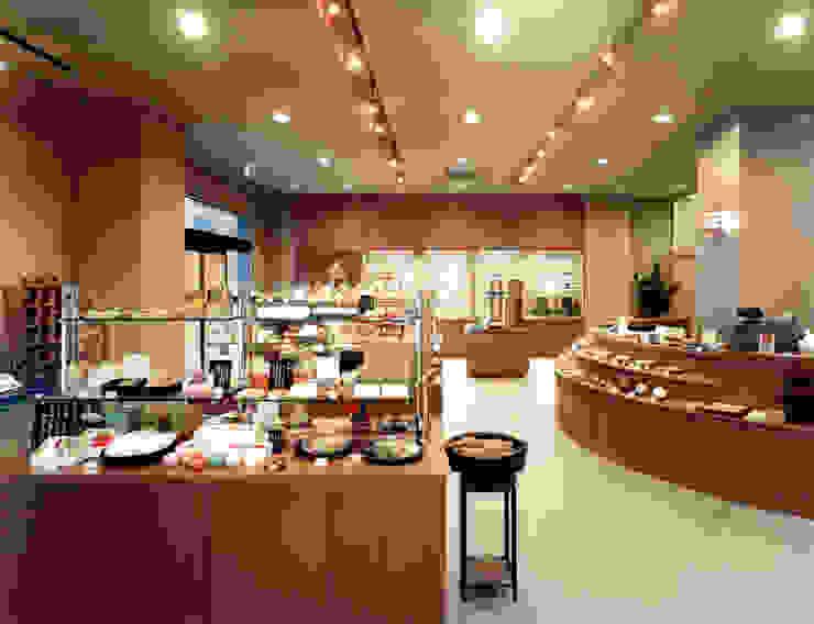 店舗2: 株式会社 岡﨑建築設計室が手掛けたアジア人です。,和風