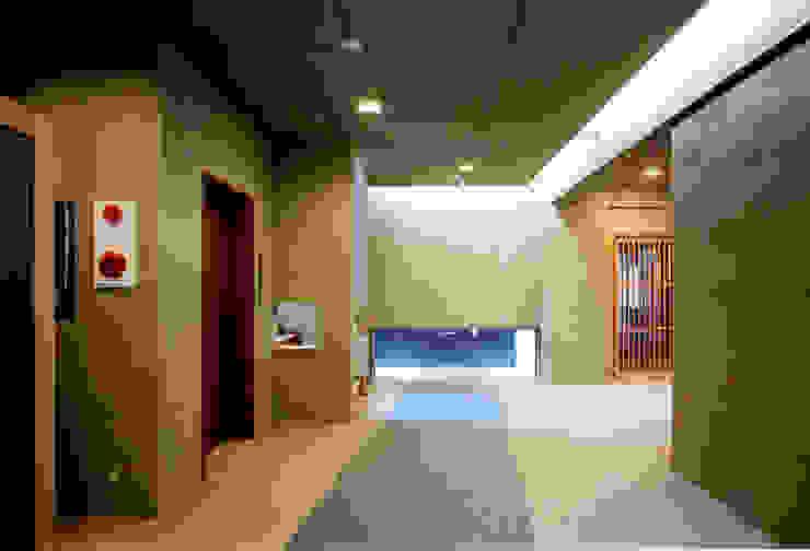 香房エントランス 和風の 玄関&廊下&階段 の 株式会社 岡﨑建築設計室 和風