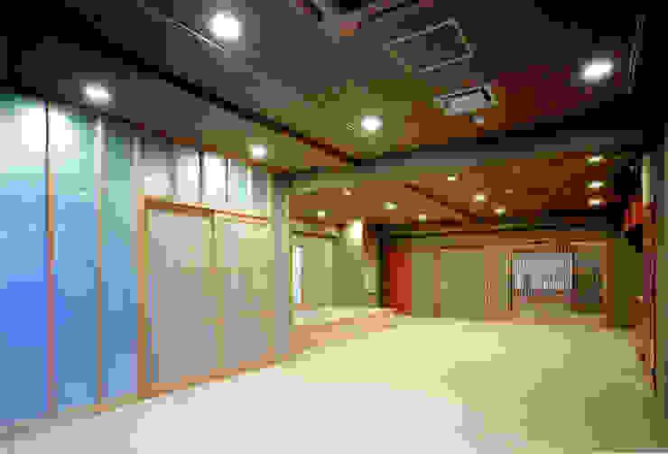 香房: 株式会社 岡﨑建築設計室が手掛けたアジア人です。,和風