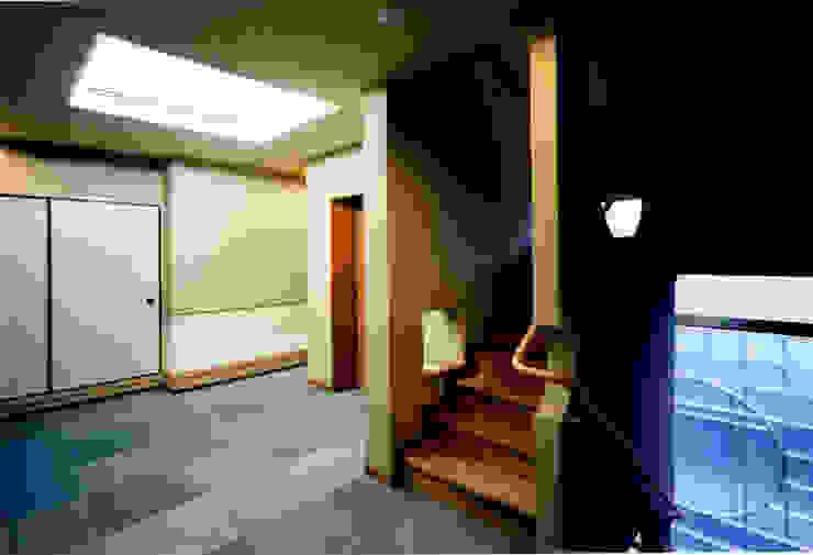 香房2階ホール 和風の 玄関&廊下&階段 の 株式会社 岡﨑建築設計室 和風
