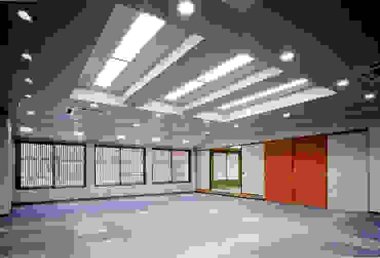 会議室: 株式会社 岡﨑建築設計室が手掛けたアジア人です。,和風