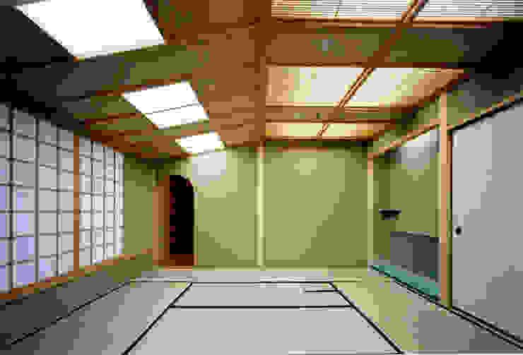 香房和室 和風デザインの 多目的室 の 株式会社 岡﨑建築設計室 和風