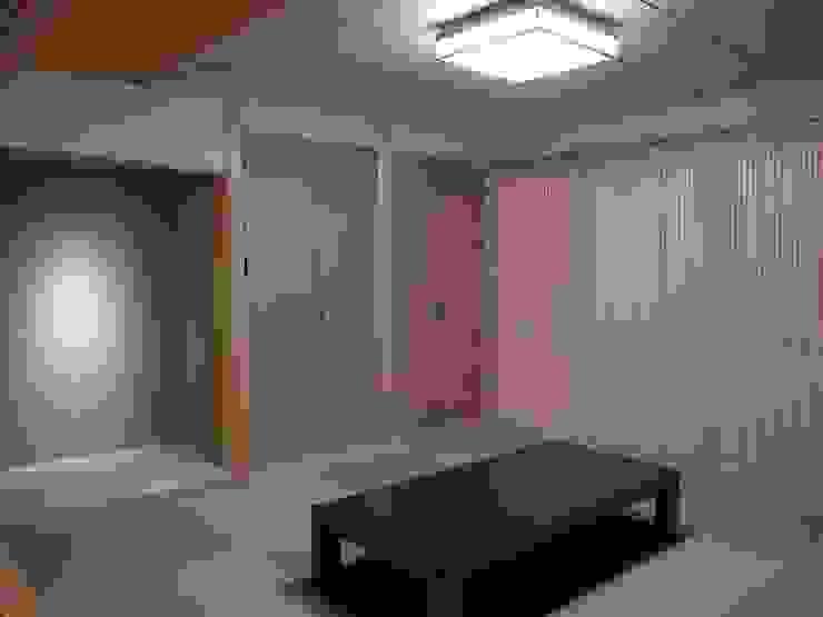 学ぶの家 オリジナルデザインの 多目的室 の Wats建築デザイン オリジナル