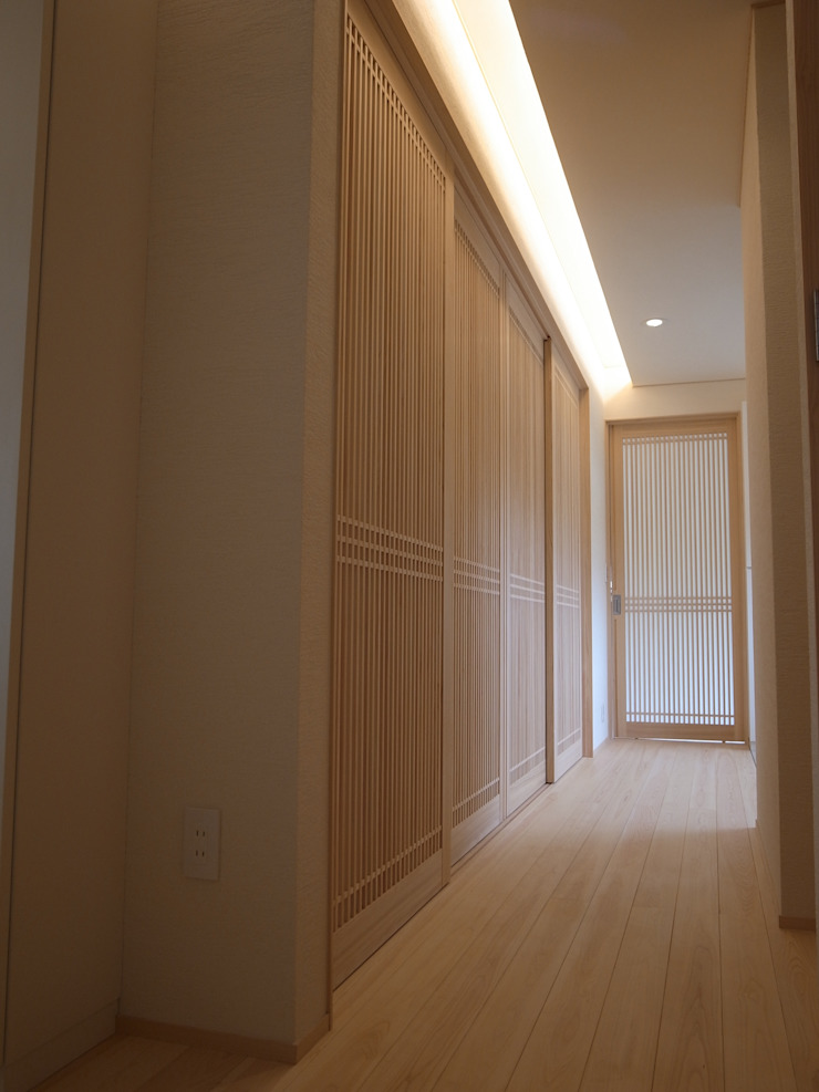 Eclectic style corridor, hallway & stairs by Wats建築デザイン Eclectic