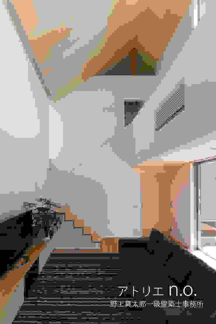 茅ヶ崎の家 モダンな 壁&床 の nogami モダン