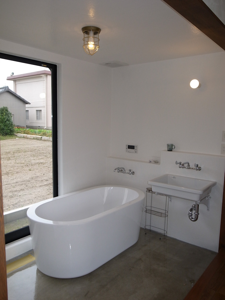 Eclectic style bathrooms by Wats建築デザイン Eclectic