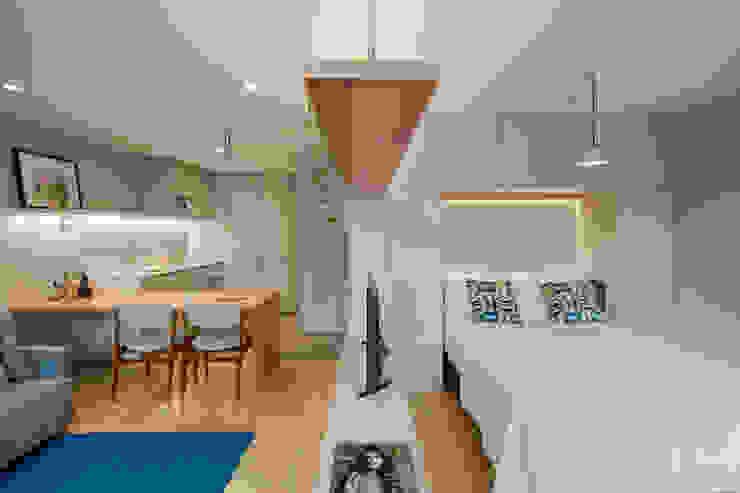 Reabilitação de edifício do séc. XIX Hotéis modernos por Ana Coelho Arq., Lda. Moderno
